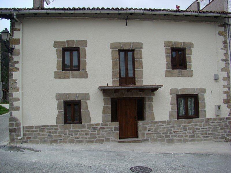 Fachadas de casas rusticas castellanas best fachadas de for Casas modernas rusticas